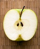 Close up of sliced green apple (thumbnail)
