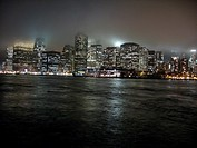 Vy över New York, nattetid. Skyline Of New York At Night