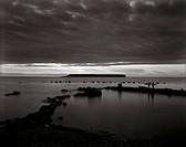 Samtal I Solnedgången Med Lilla Karlsön I Bakgrunden. Gotland Midsommaraftonen 1998., Overcast Over The OceanB/W