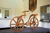 Leonardo Da Vincis Modell Till Cykel På Vincimuseet I Vinci, Toscana, Italien