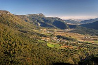 Urederra valley viewed from the Balcón de Pilatos. Sierra de Urbasa. Navarre. Spain