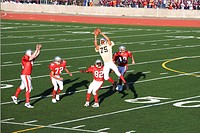 Football player catching football (thumbnail)