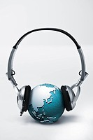 CG, Computer_Generated, globe, headphone