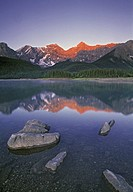 Upper Kananaskis Lake, Peter Lougheed Provincial Park, Kanananskis Country, Alberta, Canada