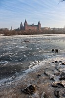 Ice on the river Main, at back Johannisburg Castle, Aschaffenburg, Bavaria, Germany, Europe