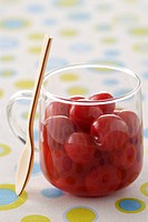 Cherries in syrup (thumbnail)