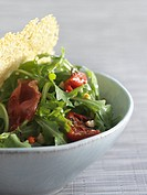 Bacon, red pepper and rocket salad