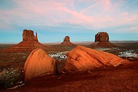 Monument Valley, monolits, Mitten Buttes and Merrick's Butte, view from the Visitor Center, Utah, USA