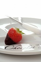 Strawberry in chocolate (thumbnail)