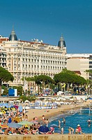 France Provence-Alpes-Côte d'Azur Cannes Boulevard de la Croisette and beach Carlton Hotel in background