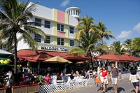 Florida, Miami Beach, ´Ocean Drive´, New Year´s Day, Art Deco District, Waldorf Tower, hotel, restaurant, umbrellas, alfresco, al fresco, dining, dine...