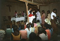 Africa- Democratic Republic of Congo (ex Zaire) - Missionaries celebrating Mass