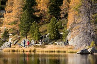 Austria, Carinthia, windeben_See, tourists, shore, autumn