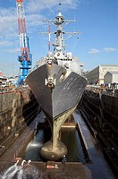 Destroyer enters a dry dock onboard to begin regularly scheduled maintenance