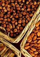 eat, basket, drink, close_up, CLOSE, almond