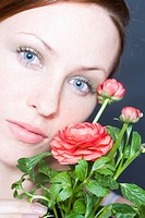 Beauty woman with globe flower (thumbnail)