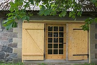 Building, Building Exterior, Building Structure, Cabin, Close-Up (thumbnail)