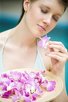 Woman with flowers (thumbnail)