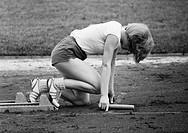 Sechziger Jahre, Schwarzweissfoto, Sport, Leichtathletik, Symbolik, Laufwettbewerb, Kurzstrecke, Staffellauf
