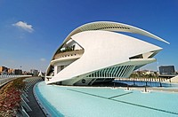 Opera house, Ciudad des las Artes y las Ciencias, Palau de les Arts, City of Arts and Sciences, Valencia, Spain, architect Santiago Calatrava