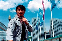 movie, Tom Yum Goong, THA 2005, director: Prachya Pinkaew, scene with: Tony Jaa, action, half length,
