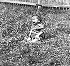 Glas, Uschi * 2.3.1944, German actress, full length, baby picture, 1940s, child, family, girl, childhood, sitting, grass, 40s, private,