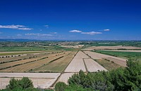 See von Montady, 1247 ausgetrocknet, Frankreich, Südfrankreich, Languedoc_Roussillon _ Lake Montady which became dry in 1247, France, Southern France,...