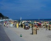 Deutschland, Schleswig_Holstein, Ostsee, Travemuende, Badestrand mit Strandkoerben, Germany, Schleswig_Holstein, Baltic Sea, Travemuende, bathing beac...