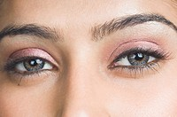 Close_up of a young woman´s eyes