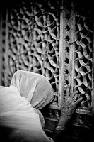 Lumen Dei, Kashmir, India, Woman knelt down in prayer