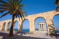 Arcades at the Lower Barracca Gardens under blue sky, Valletta, Malta, Europe