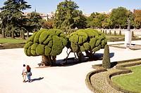 Spain Madrid, Buen Retiro Park, gardens