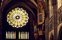 France, Bas Rhin, Strasbourg, old town listed as World Heritage by UNESCO, Gothic Cathedral built between 1015 and 1439, rose_window