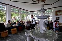 Turkey, Istanbul, Cafe du Belvedere on the hill overhanging Uskudar District