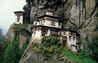 View of buddhism monastery on cliff, Taksang Gompa Tiger´s Nest Monastery Paro Valley, Bhutan