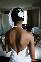 Back of African bride´s wedding dress