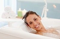 Hydromassage bathtub, Spa-relais
