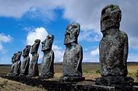 Easter Island Chile, raraku statues