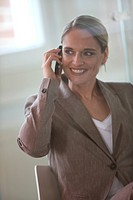 A businesswoman with cell_phone