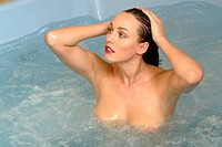 woman in jacuzzi beauty bath