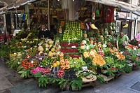 Corner greengrocer shop, fruit and vegetables, Istanbul, Turkey, Europe