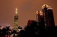 Taipei 101 at sunset, Taipei, Taiwan, Asia