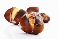 Sweet chestnuts, roasted close_up
