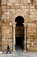 Tunez: Sousse  Gate of the Ribat monastery-fortress