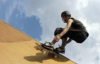 Skate board riders