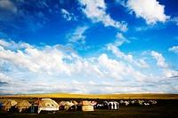 Yurts in Xilamuren Grassland, Da´erhanmaoming´anlianhe Banner, Baotou, Inner Mongolia