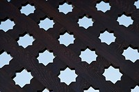 8 pointed star pattern on gate