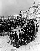 gruppo di giovani balilla a venezia, 1926_35