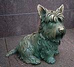 Statue of Franklin D. Roosevelt´s dog Fala, Franklin Delano Roosevelt Memorial, Washington DC, USA