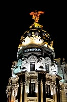 Metropolis Building, 1910, Edificio Metrópolis, on the Gran Vía with its monumental angel statue, Madrid, Spain, Iberian Peninsula, Europe